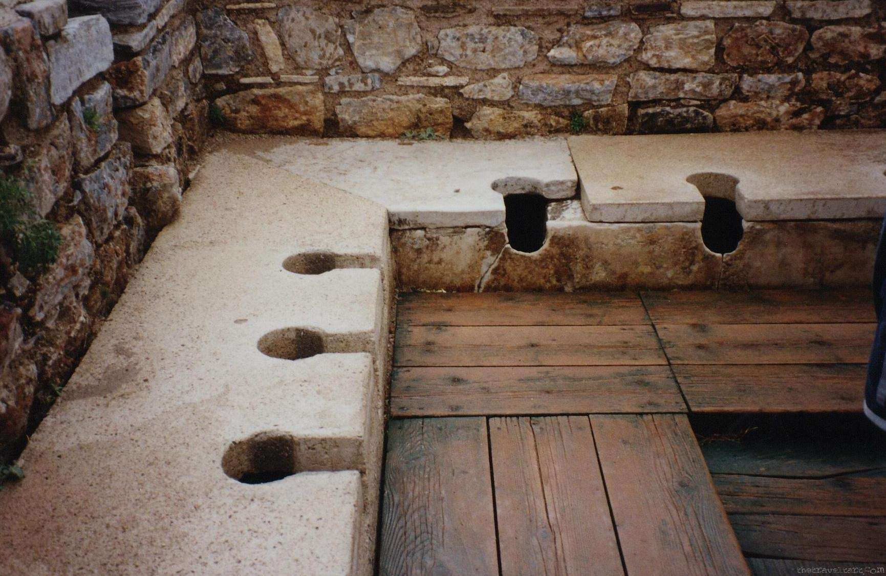 Toilet History - The Roman Flushing Toilet